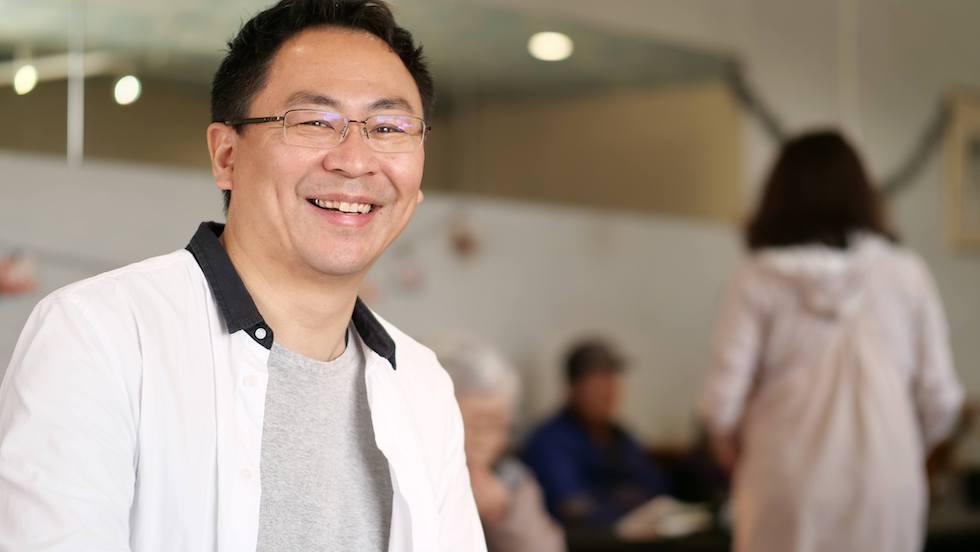 「介護に笑顔を」、エガプロ代表 高岡秀明氏に活動の原点についてインタビューしました【前編】